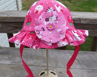 "Baby Girl Reversible Cotton Sun Hat in "" HELLO KItty"" Print"