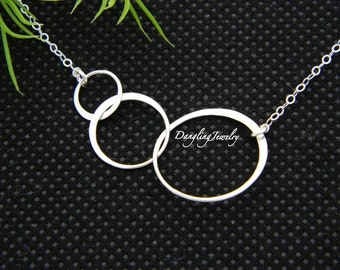 Three Sister Necklace, Triple Unity Circle Necklace, Infinity jewelry, Silver inifinty Necklace, Mothers day for sister, sister jewelry