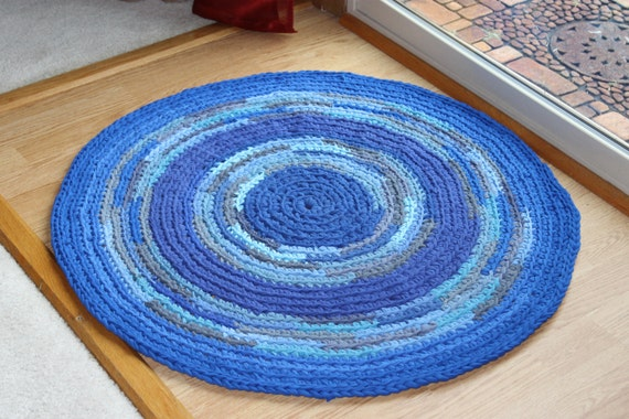 Shades of Blue Round Rag Rug Recycled T Shirt Yarn Handmade