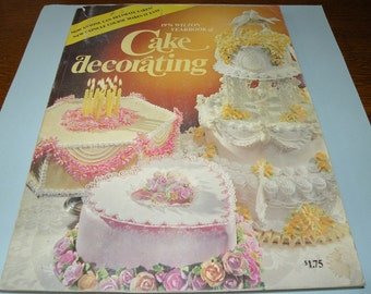 1976 Wilton Yearbook of Cake Decorating