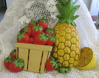 Homco Vintage Hard Plastic Pineapple and Strawberries Wall Plaque