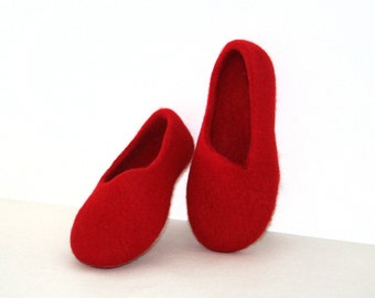 Woman slippers - women house shoes, felted slippers, Red, handmade, made to order - Valentine's day gift