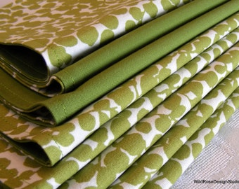 BOGO sale on now! Boxwood Green Print Reversible Cloth Napkins // Set of 8
