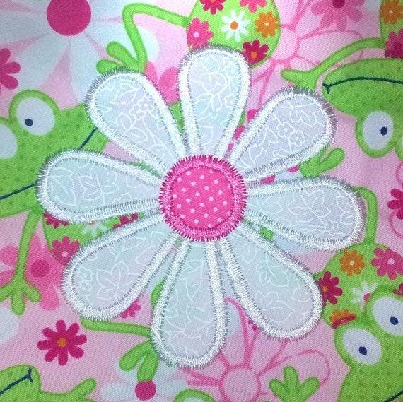 Daisy applique machine embroidery design