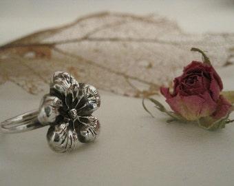 Silver Flower Ring