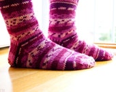 Hand knit socks with stripes in rapsberry pink
