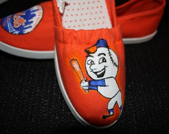 Handpainted  Shoes New York  METS Baseball team SHOES  Mr. Met  NY  any team Serority Can upgrade to Toms Vans Converse any size