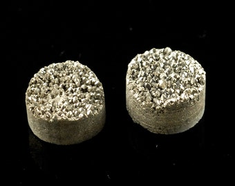 2 Pieces Silver Round Calibrated Druzy Cabochon 10mm B22DR8182