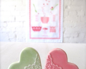 You make me Happy Tea towel with Two Lovely Porcelain Heart Lace Cutlery Rests set.