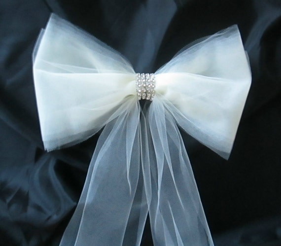 how to make tulle pew decorations