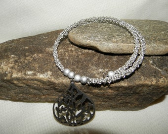 Silver aluminum chain choker with abstract pendant