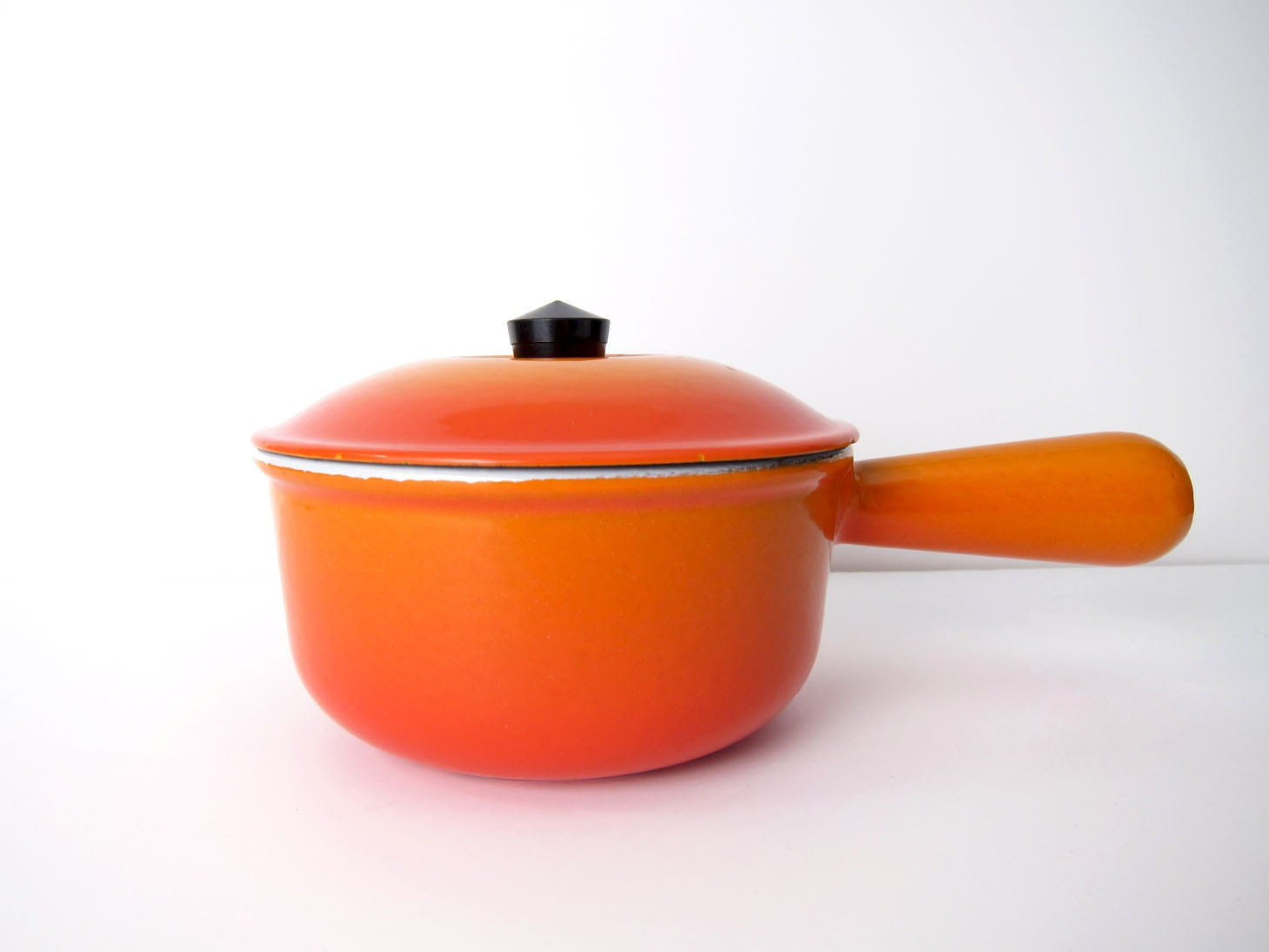 le creuset 14 sauce pot pan with lid mid century cast iron. Black Bedroom Furniture Sets. Home Design Ideas
