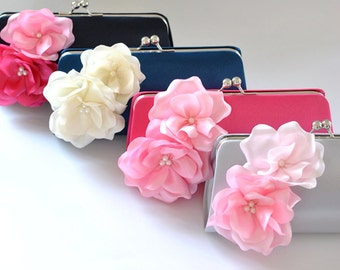 Set of 7  Bridesmaid clutches / Wedding clutches  - Custom Color