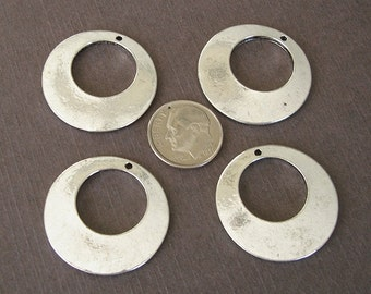 4 pcs- Antiqued  Silver Alloy Stamping Blanks Charms Round   28mm