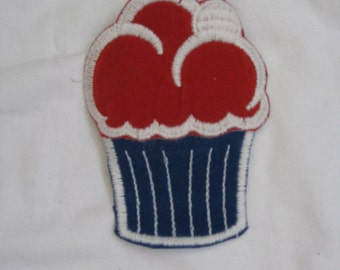 Large Cupcake 70s vintage patch  sew-on and never used free shipping