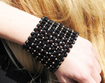 Gold Black Beadwork Beaded Jewelry / bracelets Cuff BLACK Fire-Polished acrylic Beads