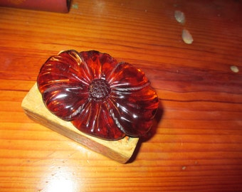"Outstanding Large 3"" x 2"" Glamorous Carved Marbled ROOT BEER BAKELITE Vintage Flower Brooch/Pin"