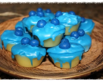 BLUEBERRY CHEESECAKE Scented Primitive Grubby Iced Cupcake Wax Tarts Melts Fillers HIGHLY Scented