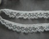 Vintage Floral Lace Trim White Lace Trim 5 yards (A21)