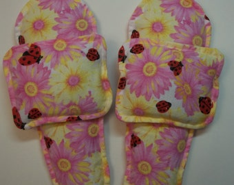 Flannel Foot Warmers Flax Seed Sock/Slippers inserts and Toasty Hand Warmers Set Daisies and Lady Bugs