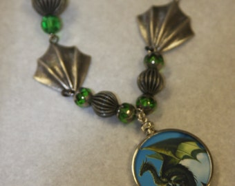 Round pendant glass necklace wings green dragon Game of Thrones glass beads