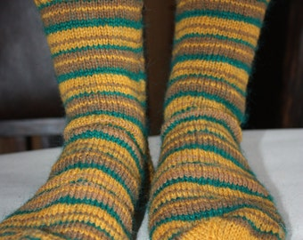 27 cm /// 10,6 inches Gorgeous Woolen Hand Knitted Socks-Perfectly keep heel - Unisex - US Men 9 /// US Women 10,5 /// EU 43