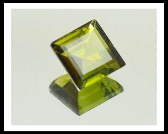2.70ct Square bottle/olive Green TOURMALINE 8mm by 4.47mm VS