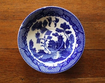 Vintage Delft Blue Japanese Catch All Circular Dish