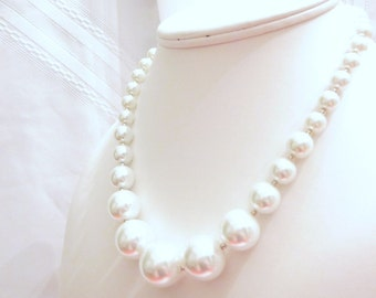 Necklace of Graduated White Pearls, Perfect for a Bride, Wedding, Bridesmaid, Choker, Chunky, Customize this one