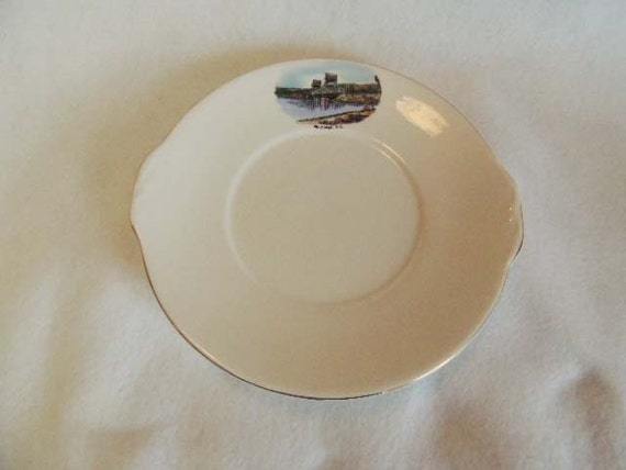 Vintage Bone China Souvenir Plate KELOWNA B.C. CANADA.. Royal Grafton England