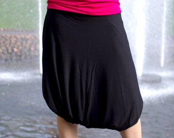 Short black gipsy harem bohemian parachute pants with pockets
