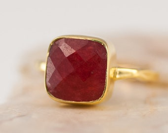 Ruby Ring Gold, July Birthstone Ring, Gemstone Ring, Stacking Ring, Solitaire Ring, Gold Ring, Cushion Cut Ring, Mothers Ring, Cocktail Ring