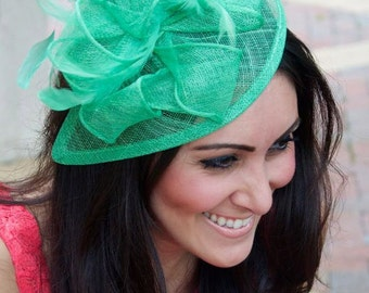 """True Mint Fascinator - """"Penny"""" Mesh Hat Fascinator with Mesh Ribbons and Mint Green Feathers"""