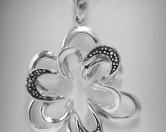 PE000861 Sterling Silver Pendant Solid 925 Flower