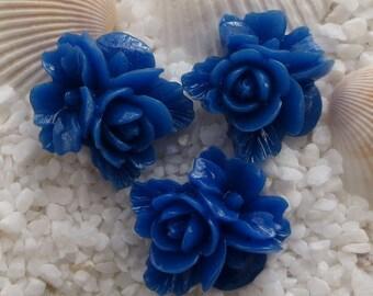Resin Flower Cluster Cabochon - 16mm x 17mm - 12 pcs - Royal Blue