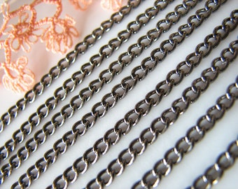 Gunmetal Chain : Curb Twist Oval Link Chain Findings 2.5 x 3.7 x .7mm ... SOLD PER 16 FEET -- Lead, Nickel, & Cadmium Free  43524