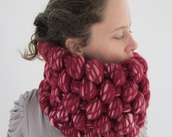 Ajsa woven, felted cowl in deep red, soft pink, white. Deep red scarf, red woven cowl, chunky big thick cowl, unique handmade cowl.