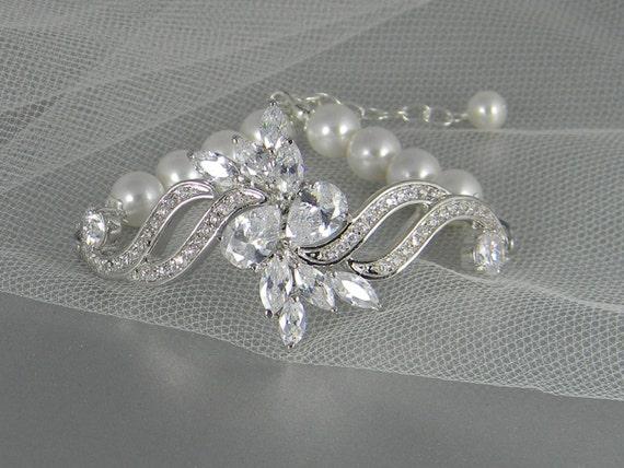 Crystal and Pearl Wedding Bracelet,  Wedding Jewelry, Swarovski Pearls Crystal Bracelet, Victorian Style wedding jewelry  Peyton Bracelet
