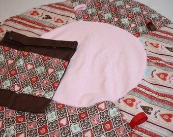 Travel play mat pink hearts love