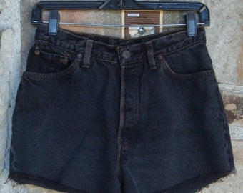 DIRTY BLACK DENIM shorts vintage Levi's 501s cut offs s m