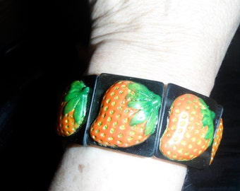 vintage galalith stretch bracelet carved textured strawberry lucite