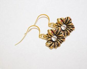 dangle earrings, flower dangle earrings, gold dangle earrings