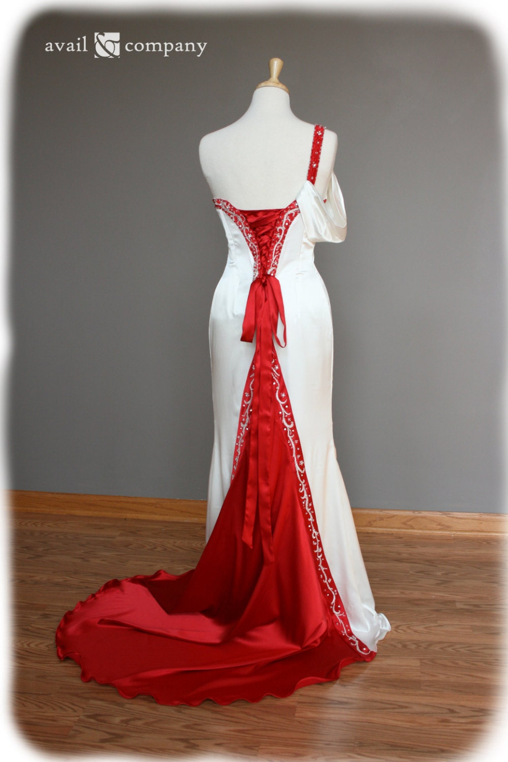 Wedding Dress With Red Corset : Red and white wedding dress corset back embroidery