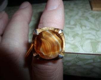 Vintage 1960s Gold Tone Adjustable Topaz Colored Art Glass Ring Size 6 Large Round