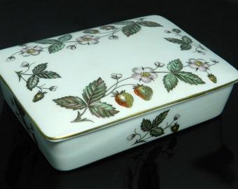 Vintage Wedgwood Strawberry Hill Fine China Lidded Box