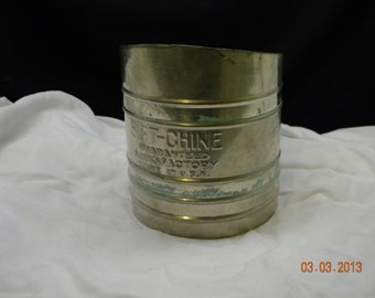 Vintage Flour Sifter Sift-Chine, kitchen collectibles