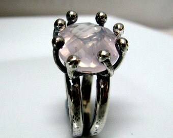 NINA's  Sterling Silver Statement Ring with Rose Quartz - Handmade Jewelry by Amallias