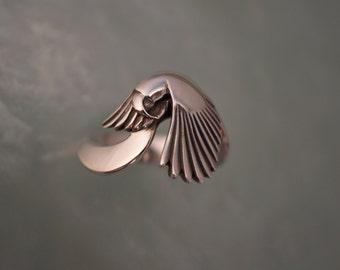 PARROT RING   silver.   10% of purchase goes to Nebraska Parrot Rescue