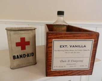 Vintage vanilla label wood storage caddy