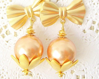 Pearls and bow matte gold plated post earrings - Rose gold Swarovski pearls post earrings Wedding Jewelry Bridal Earrings